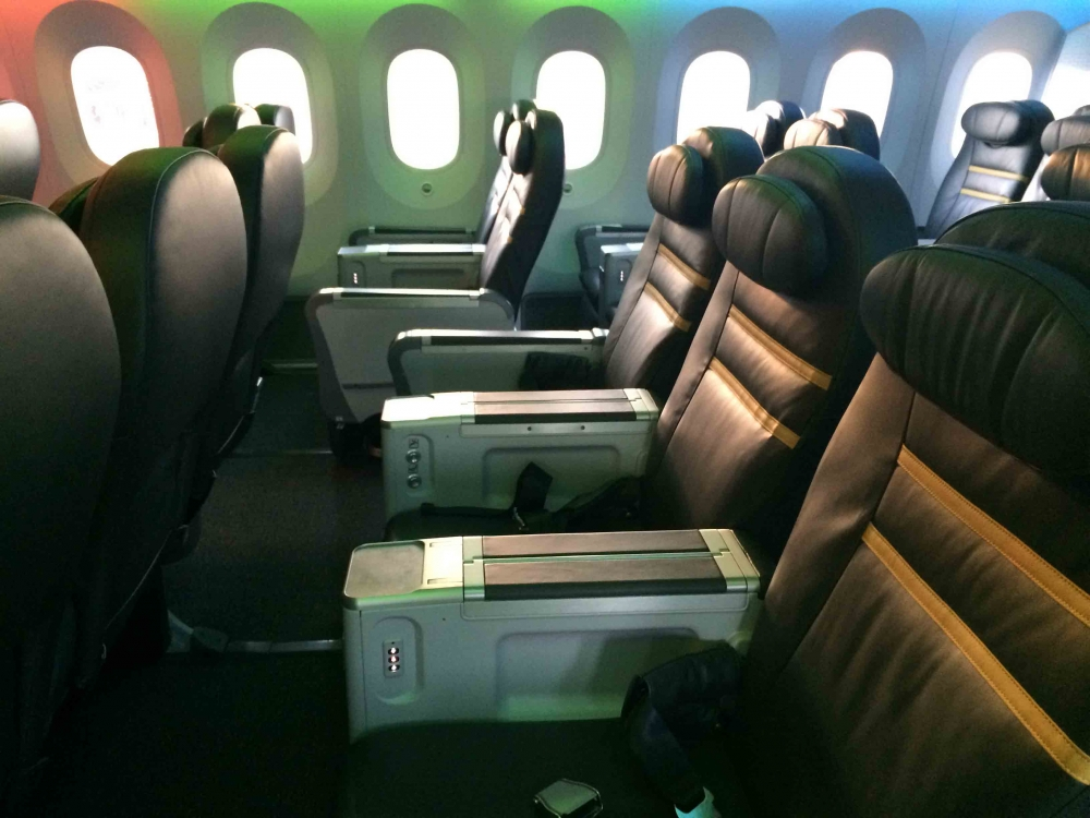 review of scoot 39 s 787 airline ratings. Black Bedroom Furniture Sets. Home Design Ideas