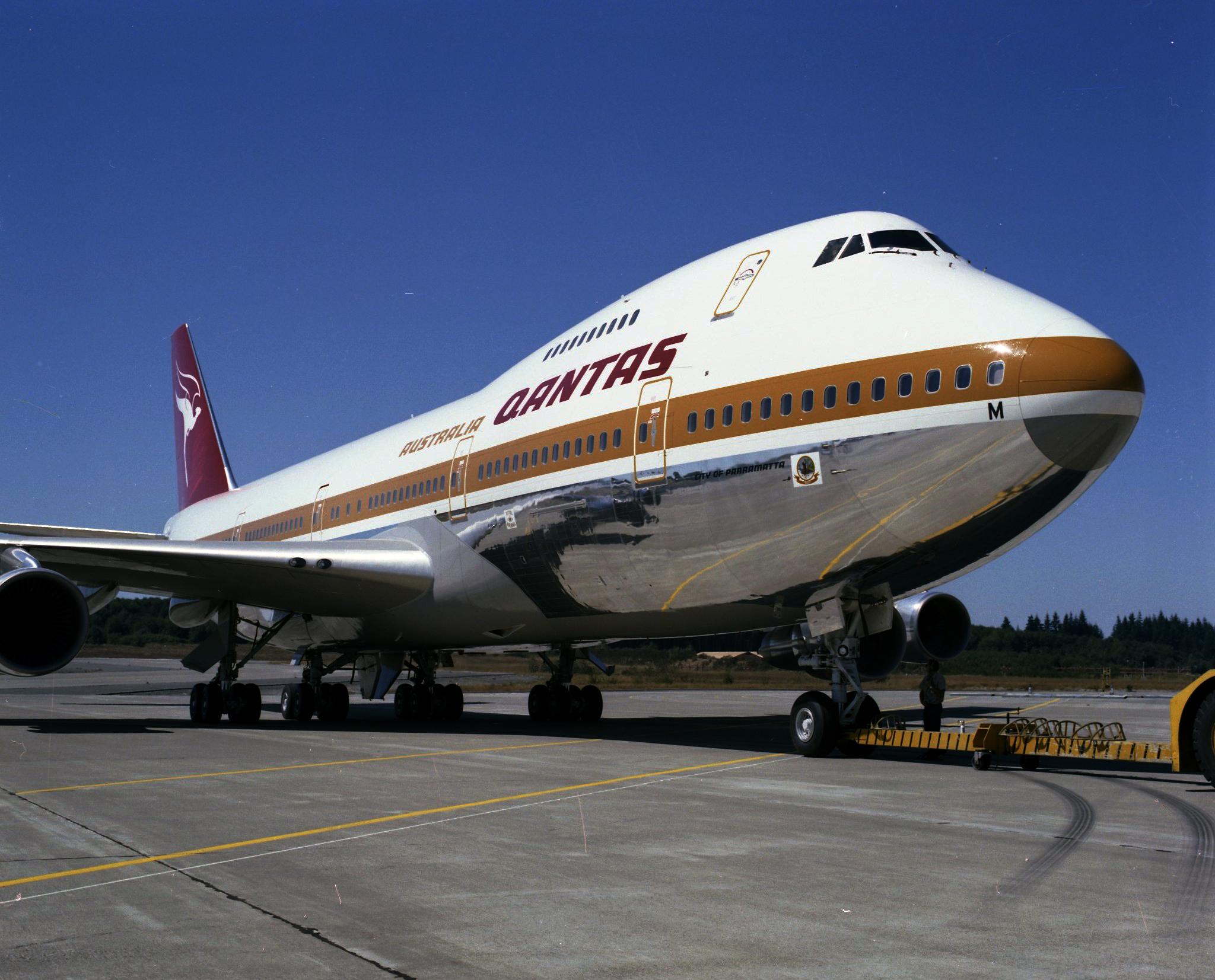 Blue dress mystery 747s
