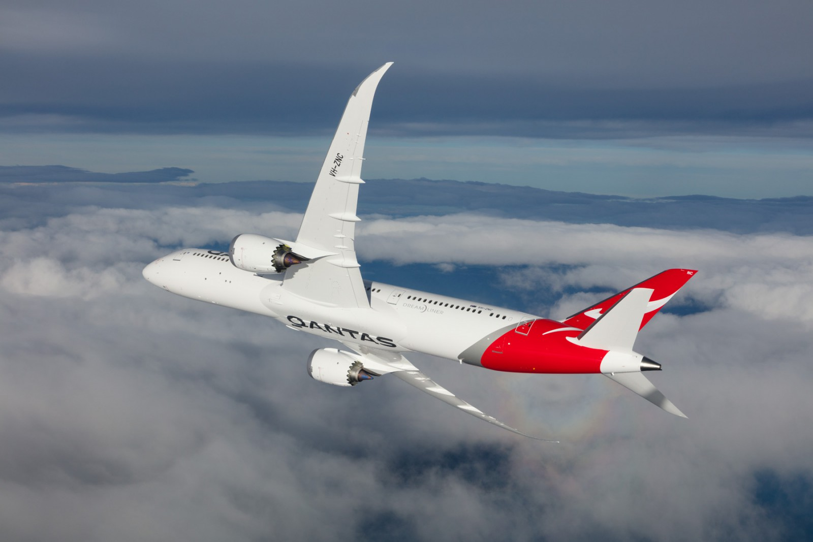 Frequent flyers benefit from new Qantas, Cathay codeshare
