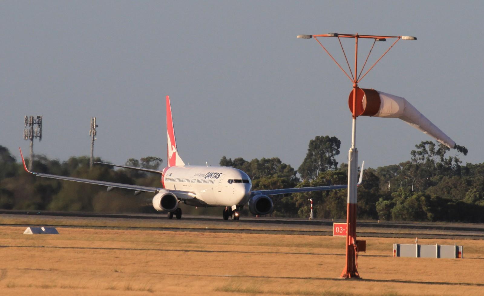 Qantas Pilot praised for quick action