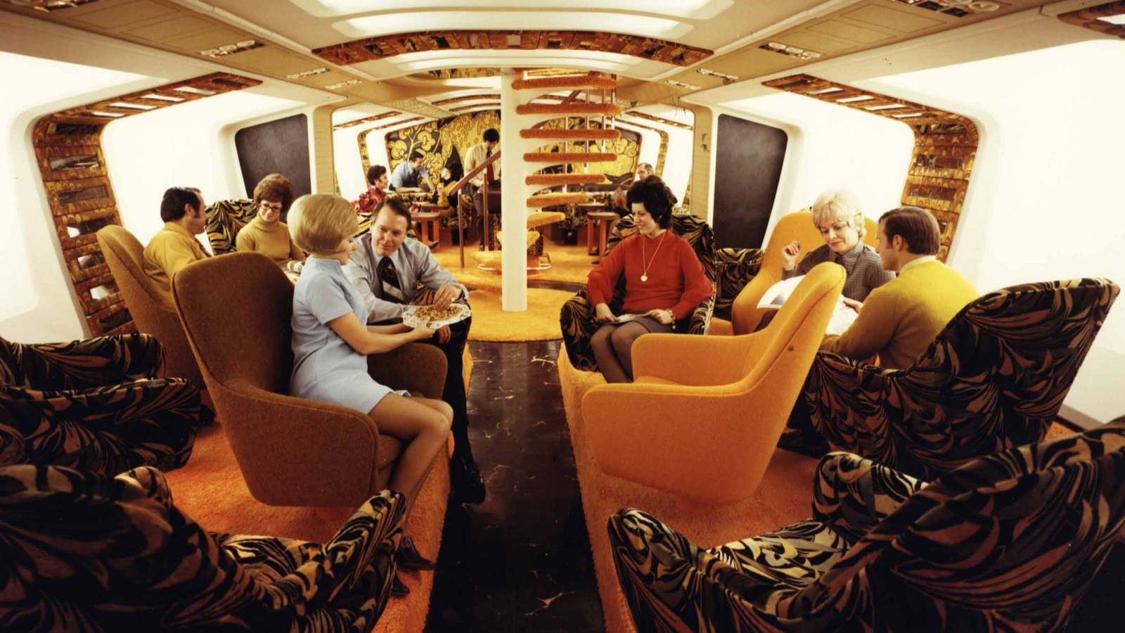 Downstairs Tiger Lounge on the Boeing 747