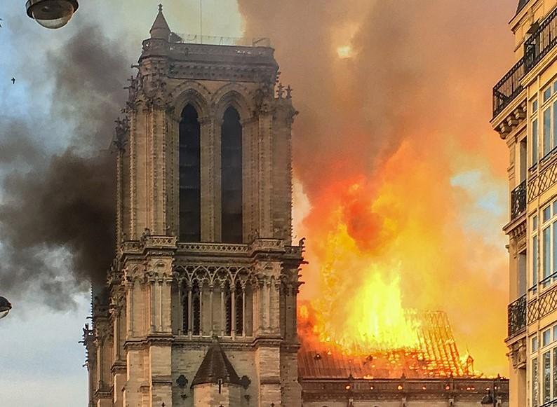 Air france Notre Dame
