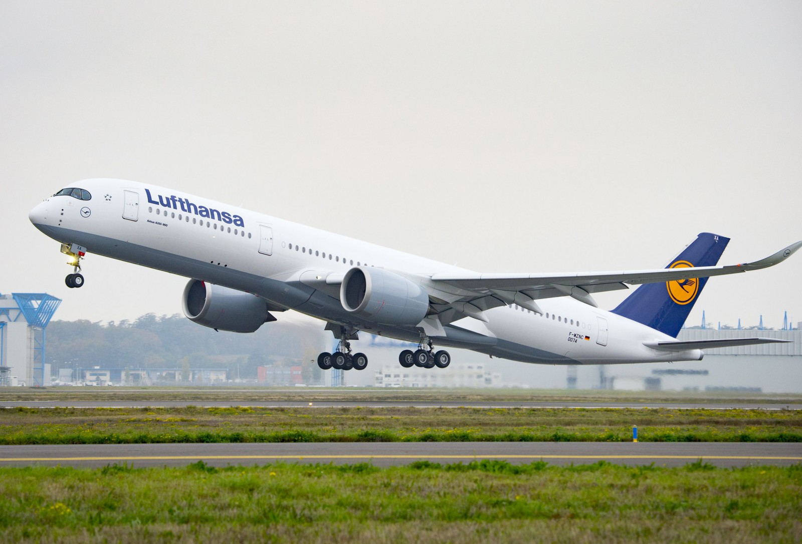 Lufthansa considers 787 and reveals 777X plans - Airline Ratings