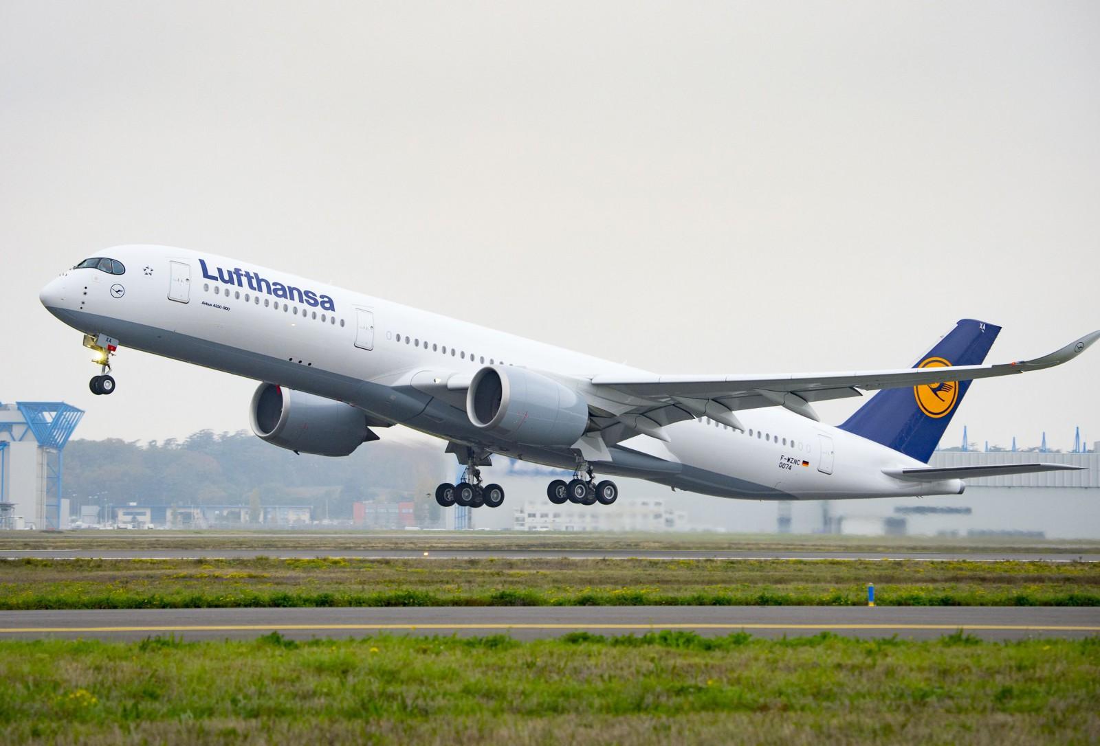 Lufthansa hiring spree
