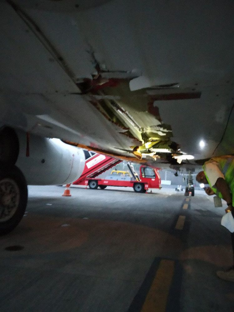 Air India Express 737 kept flying to Dubai after hitting wall