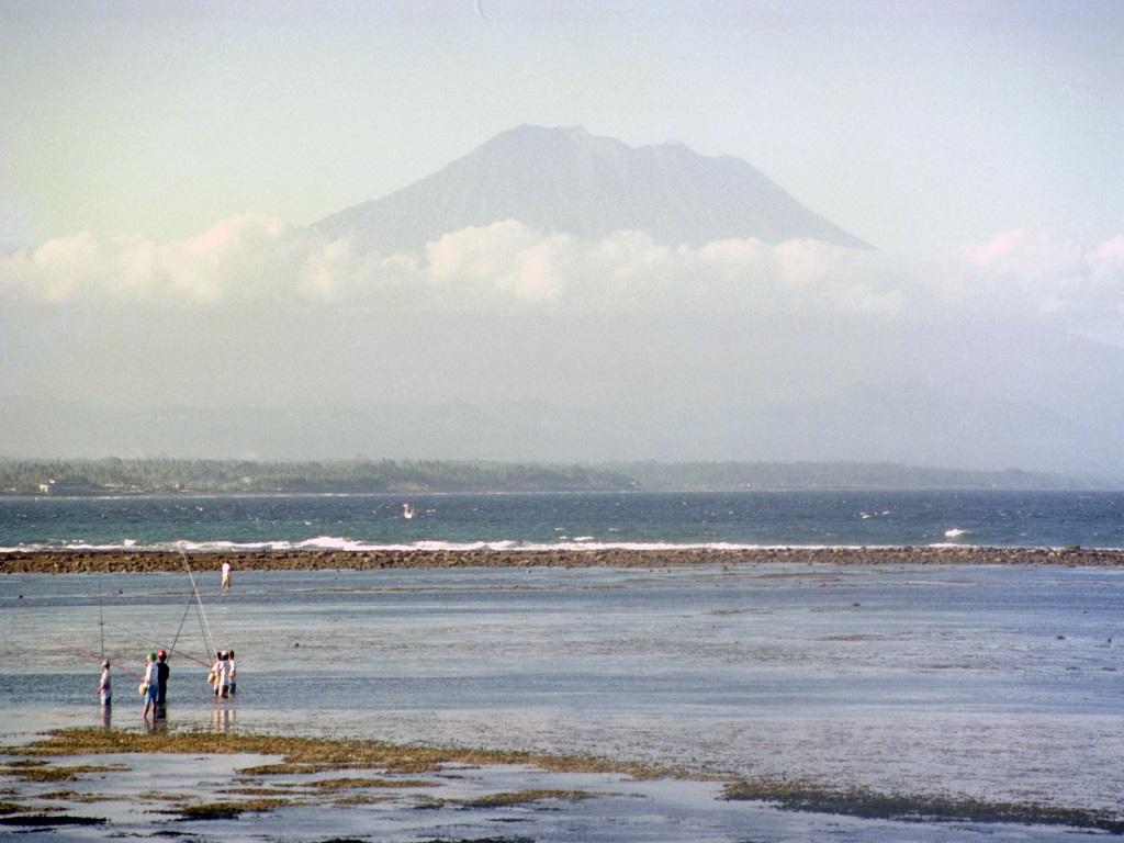 Bali volcano Atung erupt insurnance