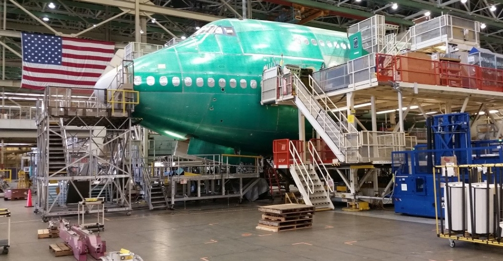 Boeing 747-8 Everett production line