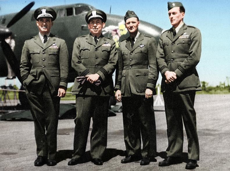 The Turtle's flight crew.