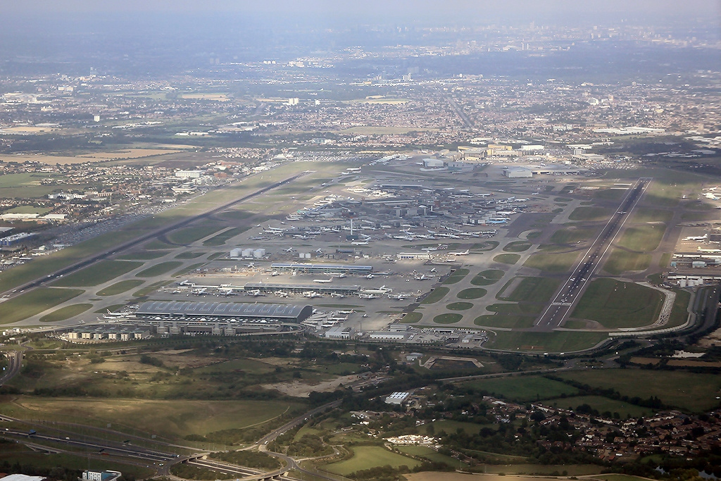 Heathrow airport says flights have resumed after drone disruption