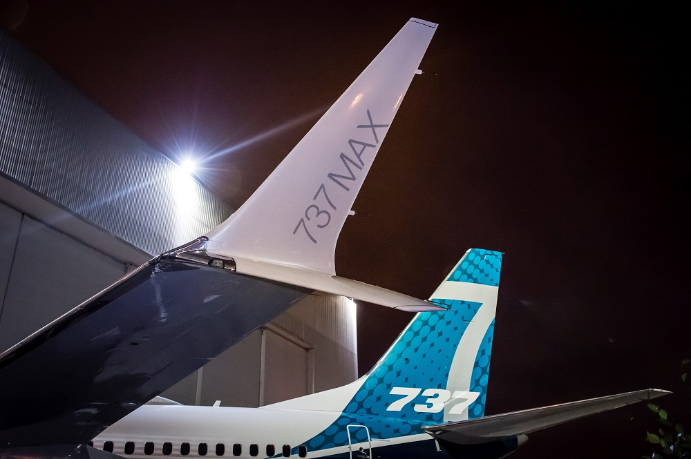 737 MAX rollout