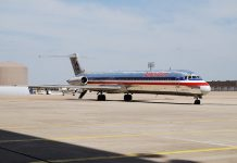MD-80 American retuires