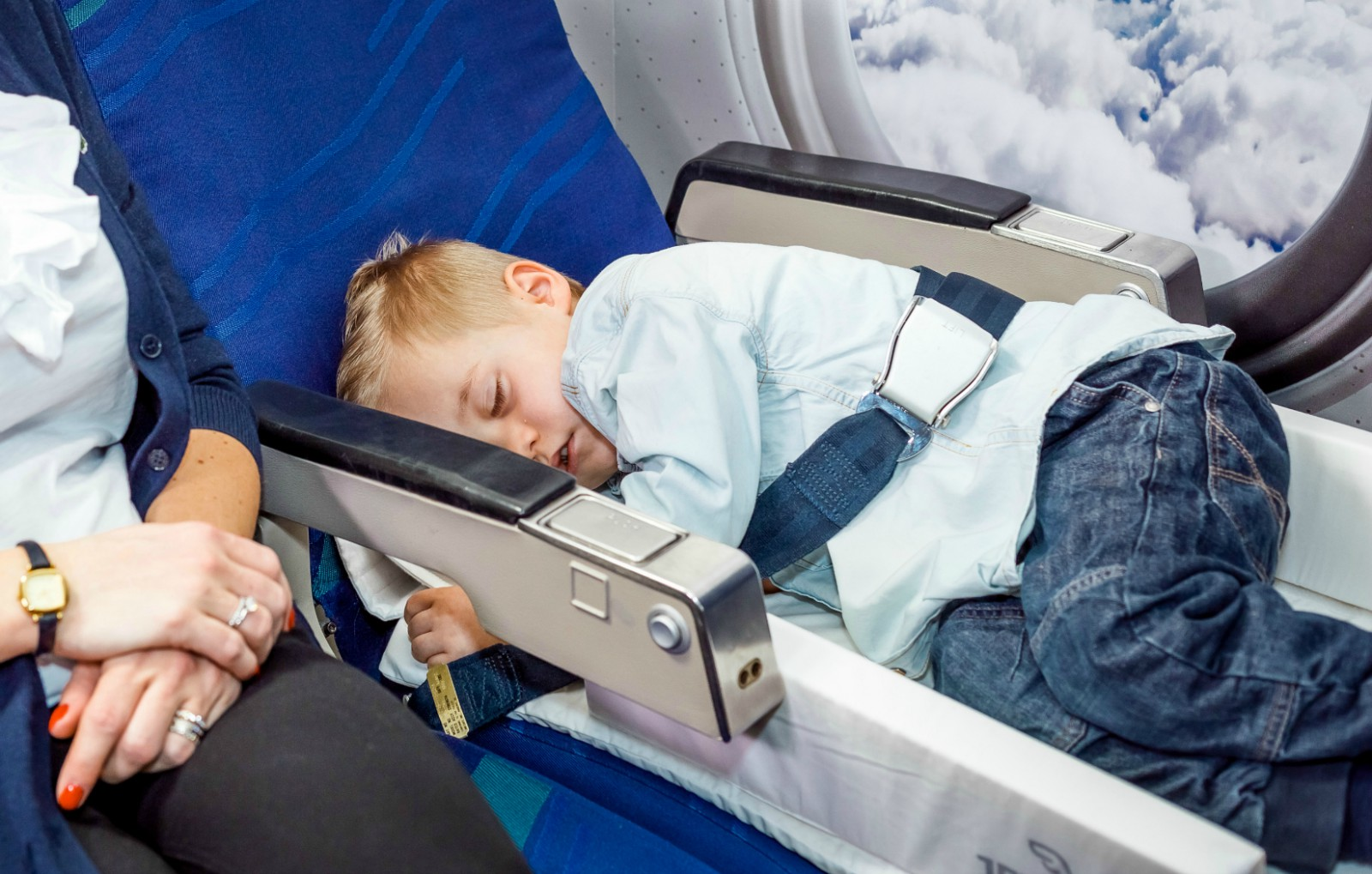 Children's sleepping devices allowed on Virgin Australia