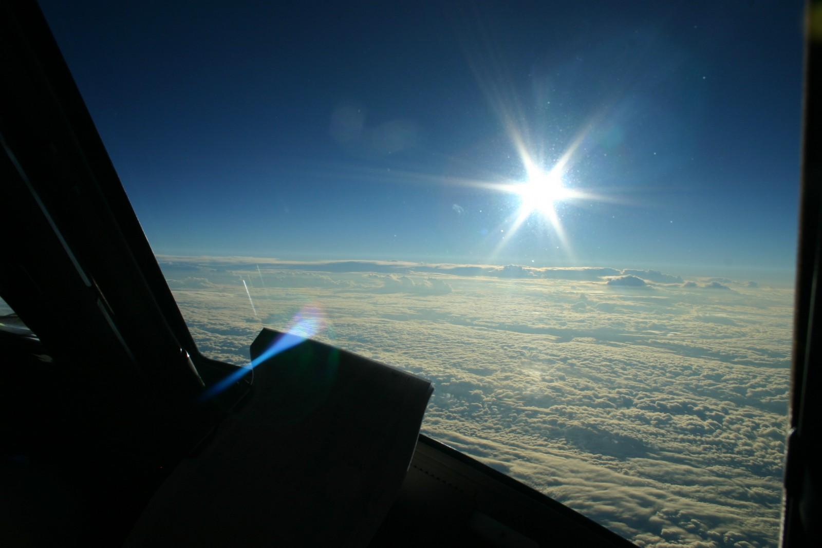 Boeing 777-200LR Double Sunrise record breaking flight