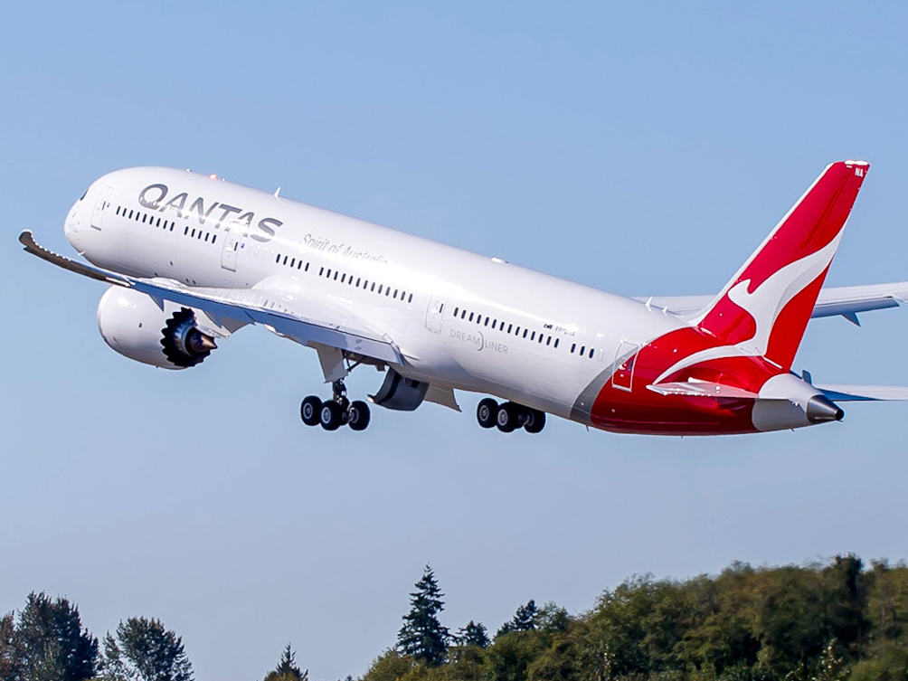 analysis of qantas airlines as an employer Marketing assignment essay on: swot analysis of qantas introduction qantas has been ranked the second oldest airline across the globe with its success stories and reputation and the airline was founded in 1920 in queensland, australia.
