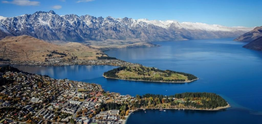 Qantas review queenstown