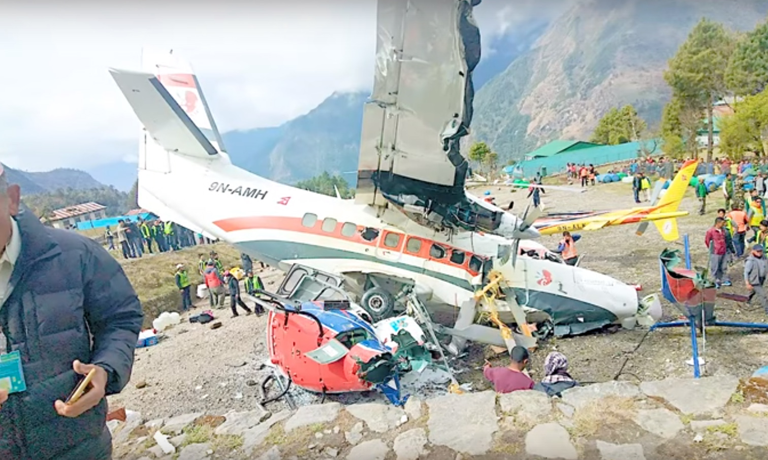 Three People Killed as Plane Crashes Into Helicopter Near Mount Everest