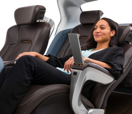 Boeing seating Adient