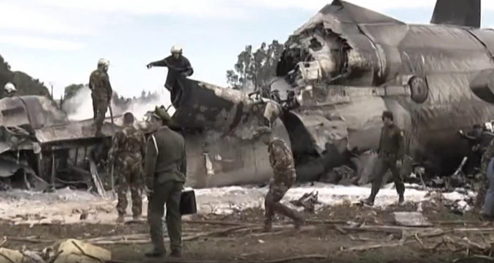 Algerian crash kills 257