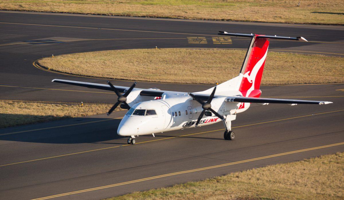 Qantaslink dash 8 aircraft