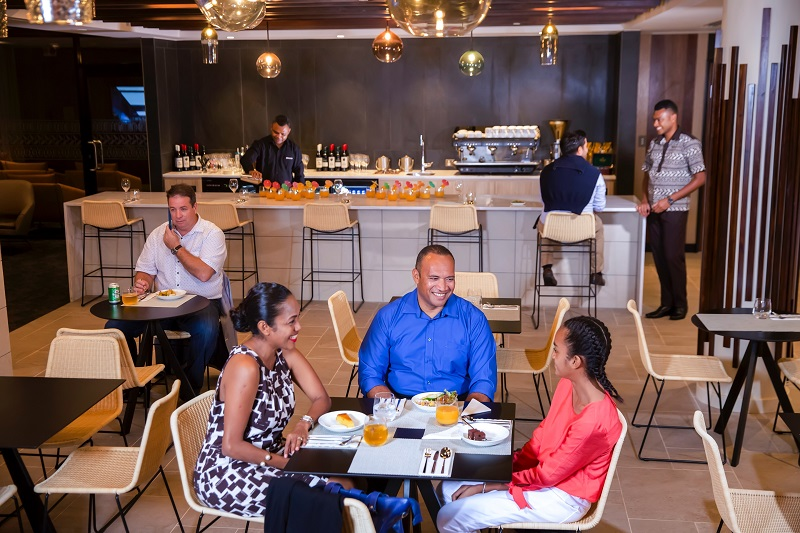 Fiji Lounge dining