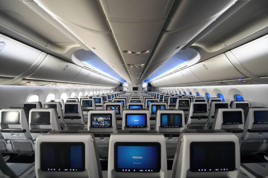 gulf air 787 economy class
