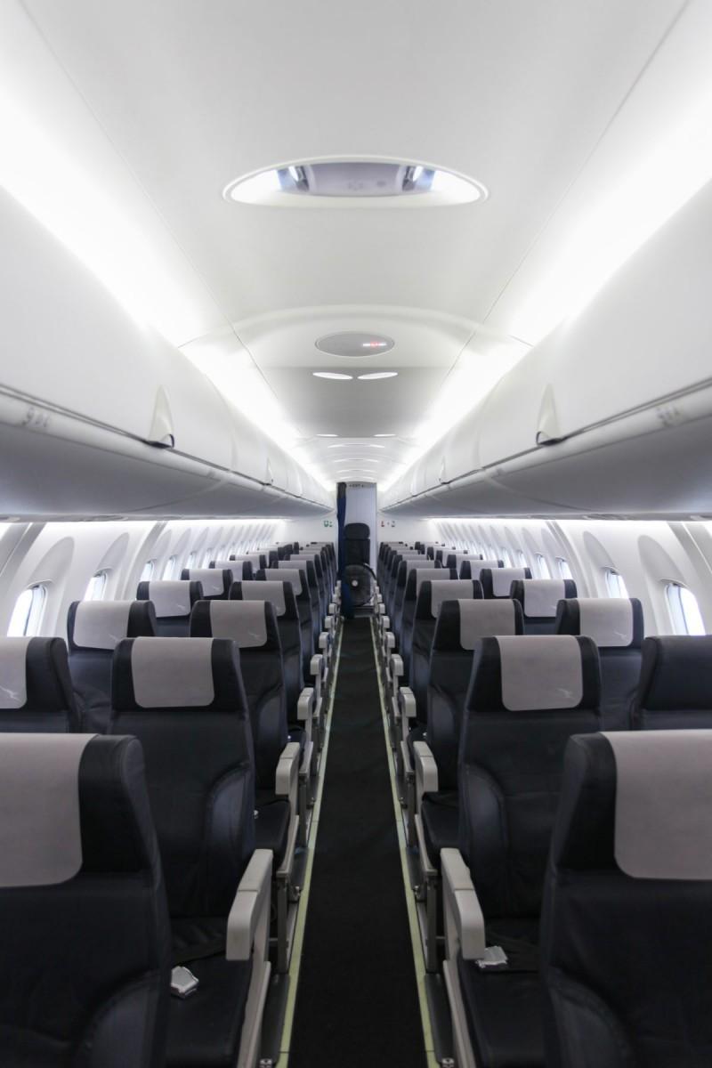 qantaslink dash 8 economy class